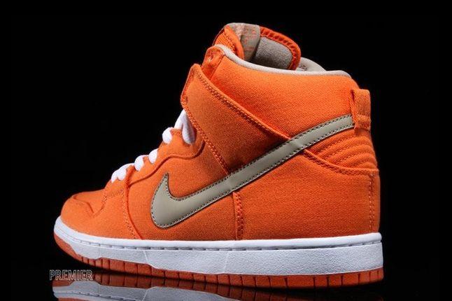 Nikesb Dunk High Pro Orange Bamboo Heel Quarter 1