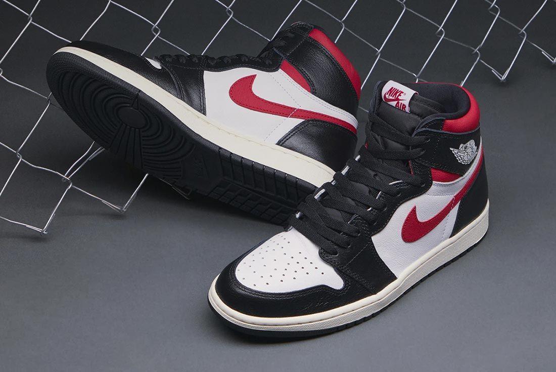Air Jordan 1 Gym Red 555088 061 Angled Top Shot