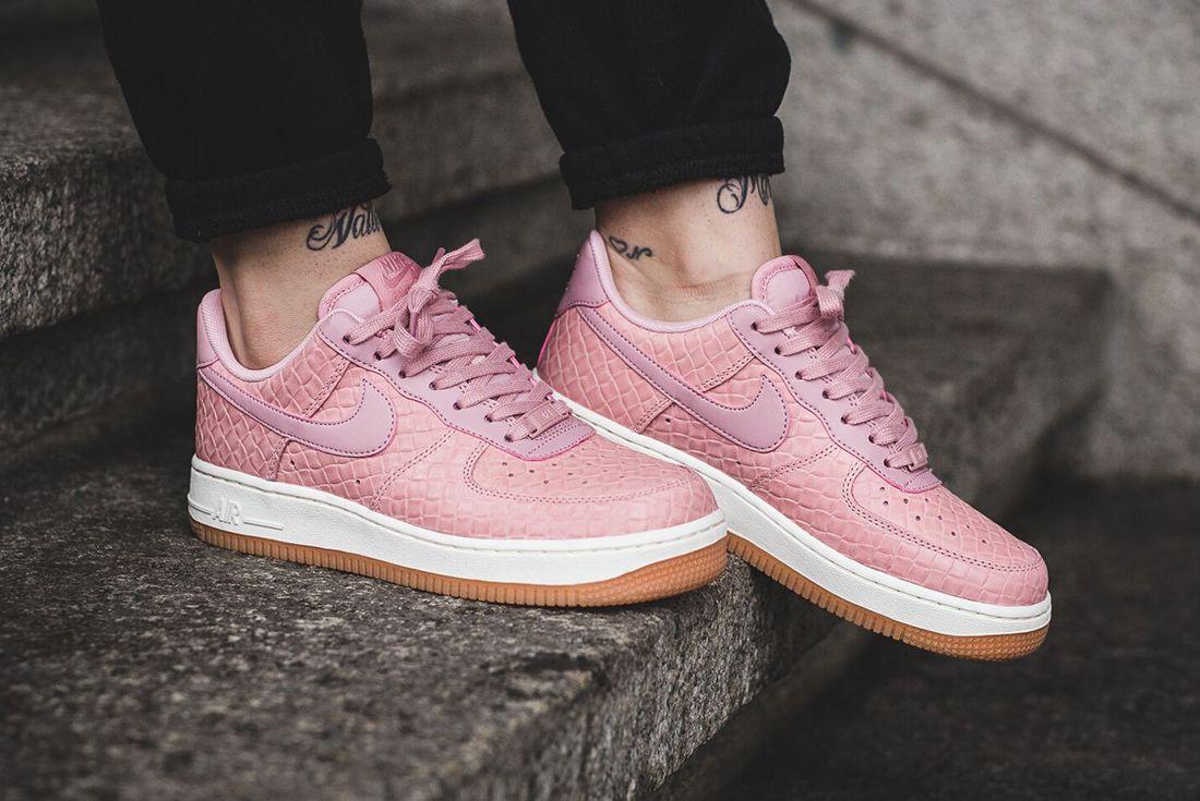 Nike Air Force 1 07 Wmns Pink Glaze13
