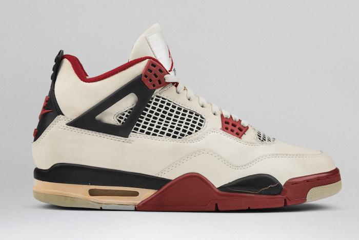 Air Jordan 4 Og Fire Red 3
