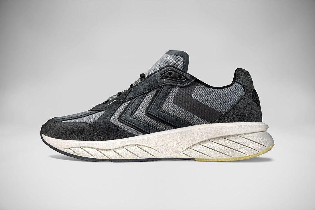 hummel REACH LX 6000 Black