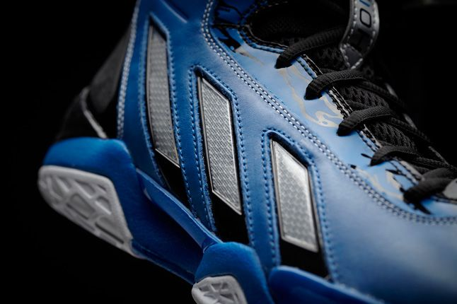 Adipower Howard 3 Blue Side Detail 1
