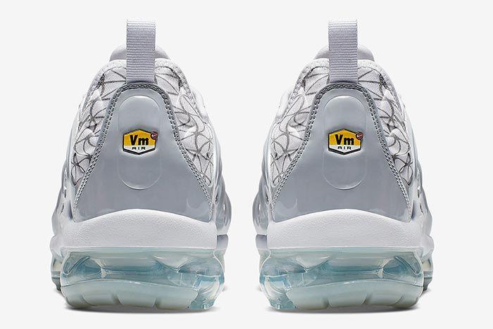 Nike Air Vapormax Plus Silver Heel Shot