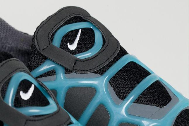 Nike Free Alt Closure Run Drkgrey Blue Tongue Detail 1