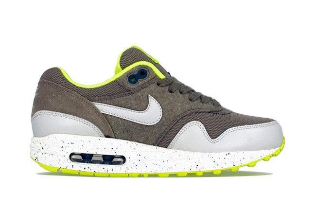 Nike Am1 Wmns Fall Overkill Delivery 5