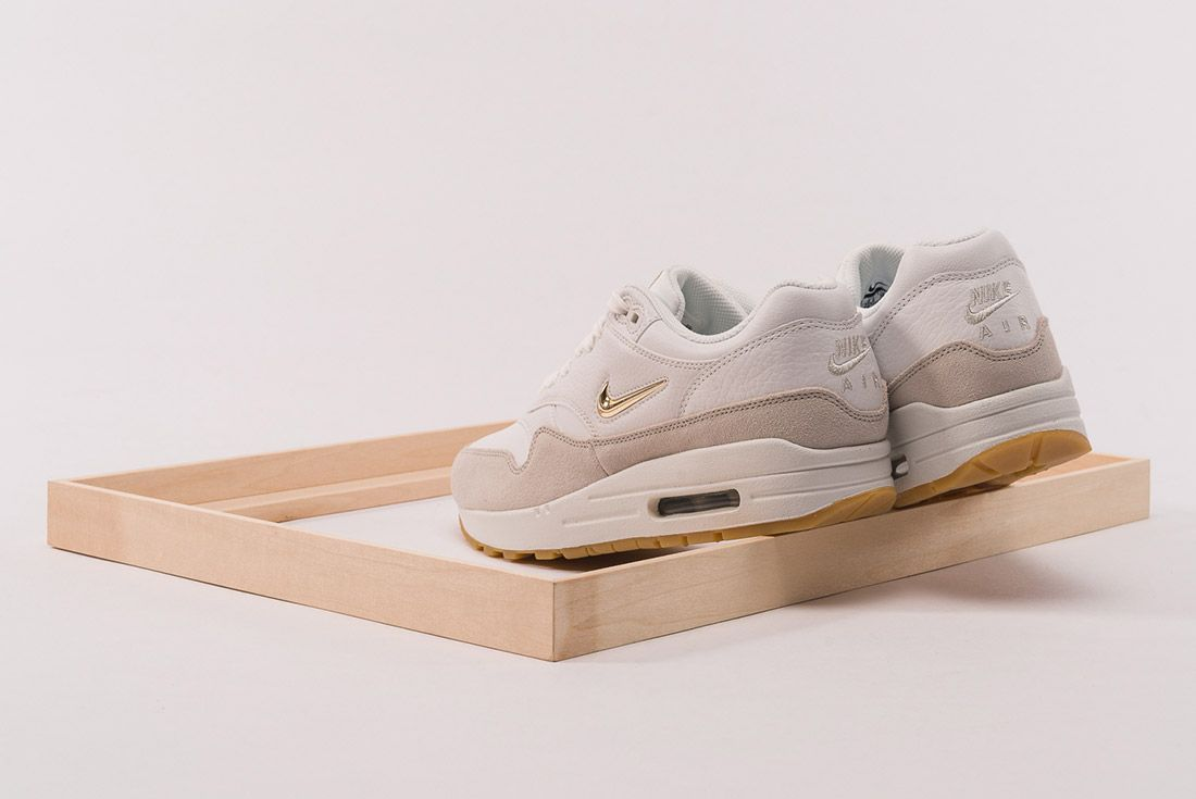 Nike Air Max 1 Jewel 3