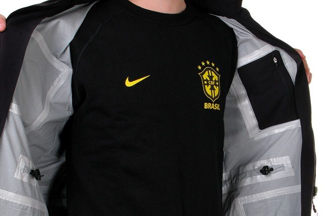 Nike Brazil World Cup Nsw 6 1