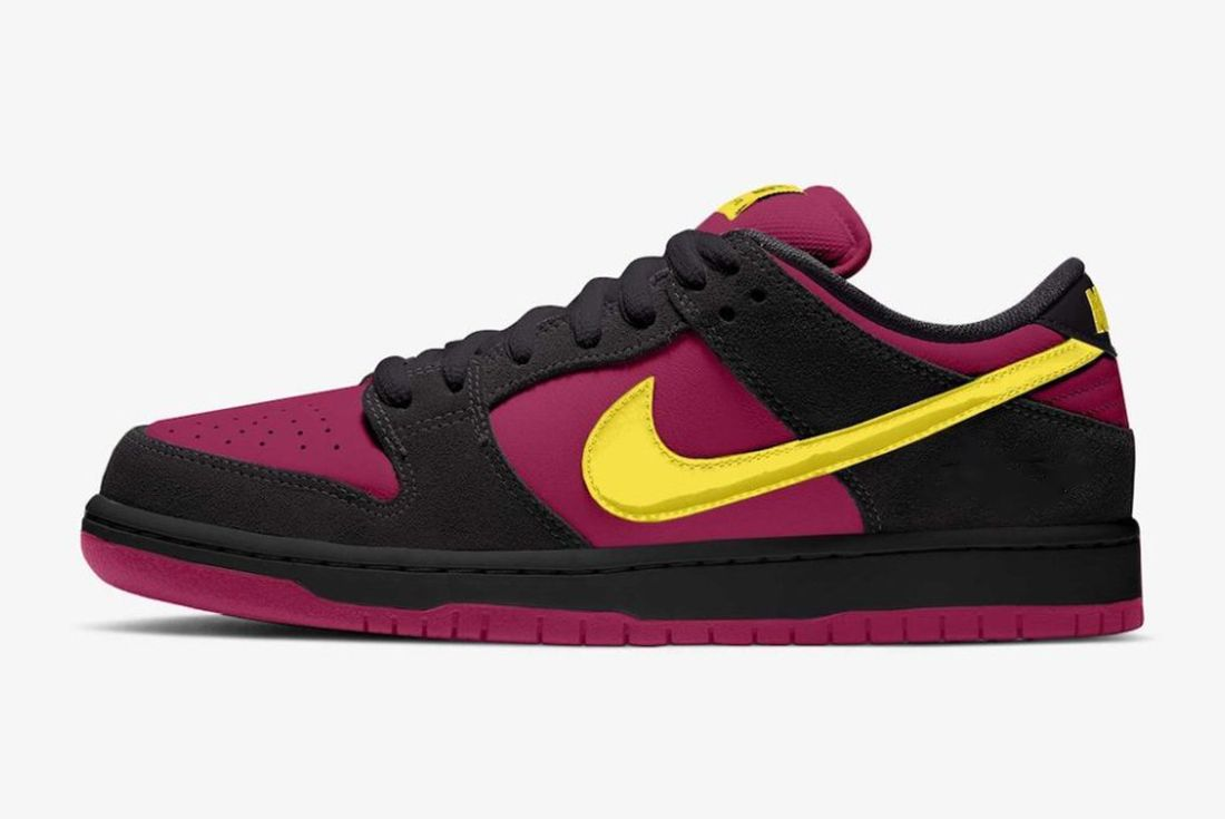 nike sb dunk low red plum mock up