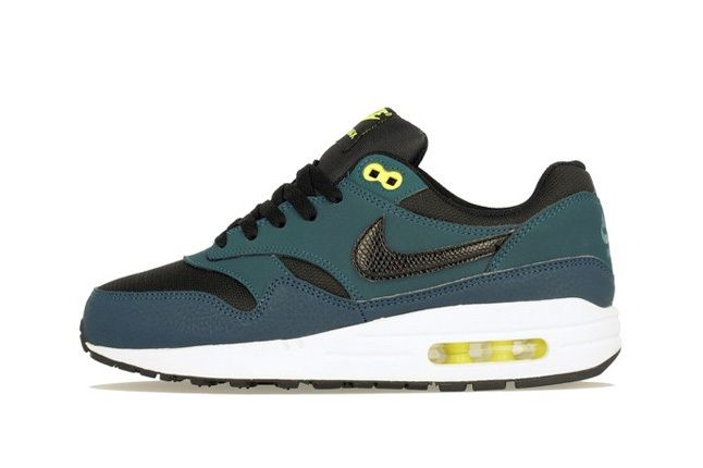 Nike Am1 Wmns Fall Overkill Delivery 10