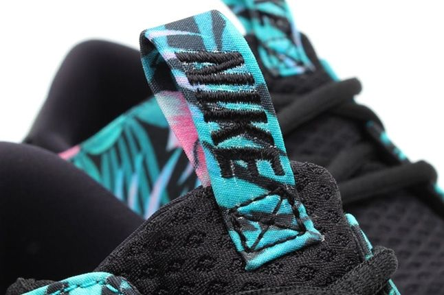 Nike Solarsoft Moccasin Sp Tropical Floral Pack Blue Pink Tongue Detail 1