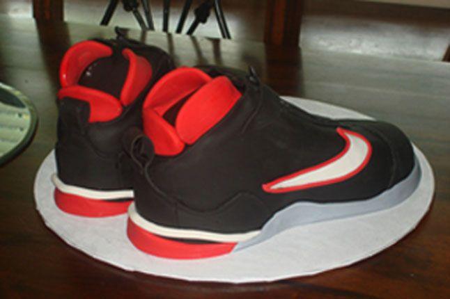 Sneaker Freaker Sneaker Cakes Glove 2 1