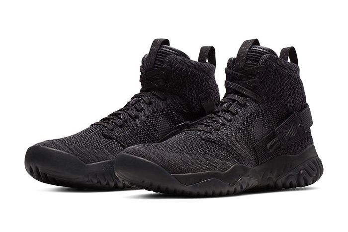 Jordan Apex React Triple Black 487471 100 Release Date Pair
