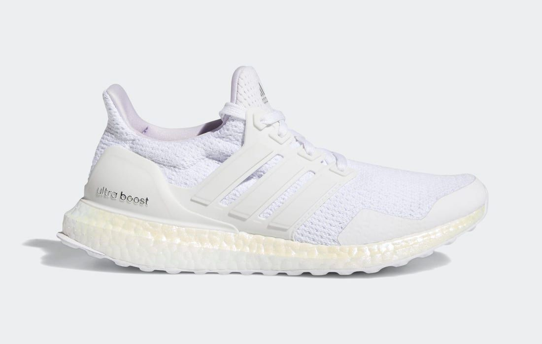 adidas UltraBOOST Aged BOOST Right