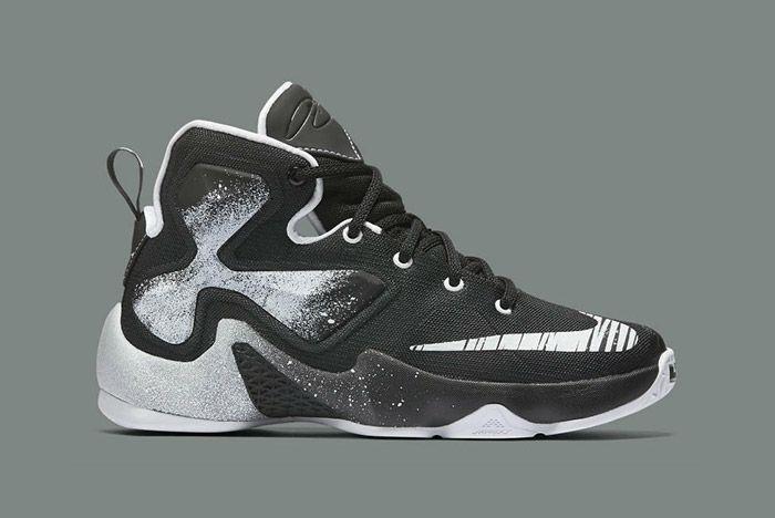 Nike Lebron Comic Book Hero Gs Black White 6