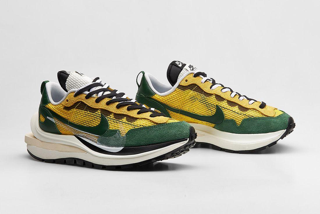 Nike x sacai VaporWaffle 'Tour Yellow'
