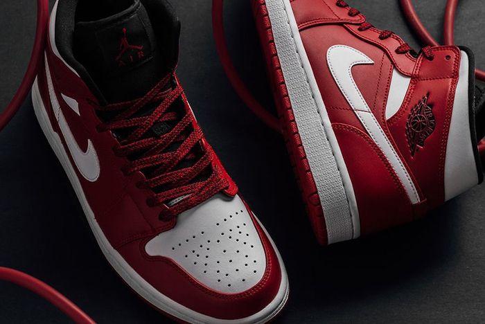 Air Jordan 1 Mid Gym Red Us Release 2 Sneaker Frealer