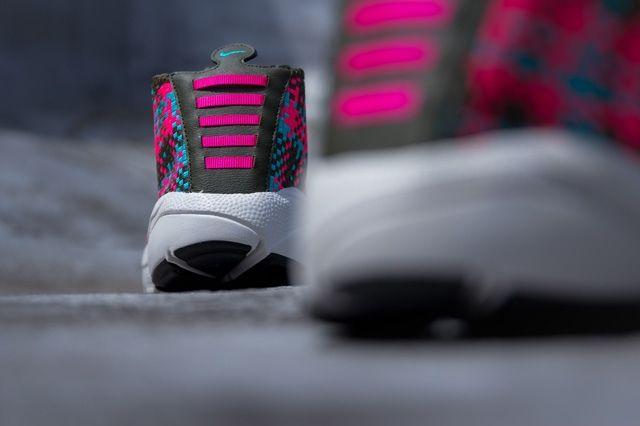 Nike Air Footscape Desert Chukka Hyper Pinnk 3
