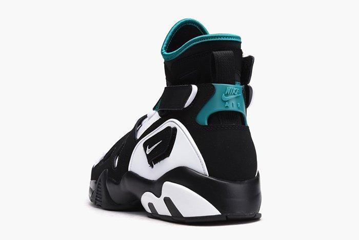 Nike Air Unlimited Og White Black Emerald11