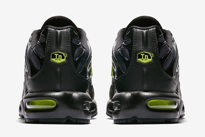 Nike Air Max Plus Night Ops 4