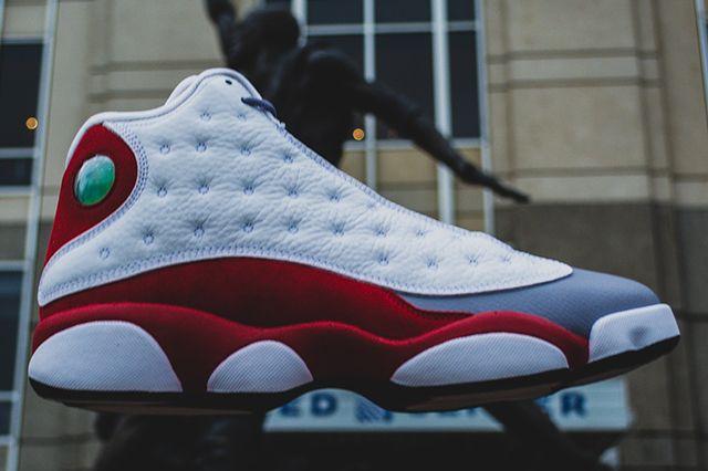 Air Jordan 13 Grey Toe Thumb