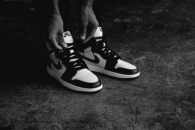 Air Jordan 1 Black White 2