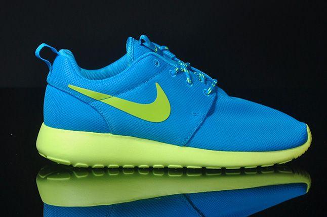 Nike Roshe Run Blue Glow Side 1