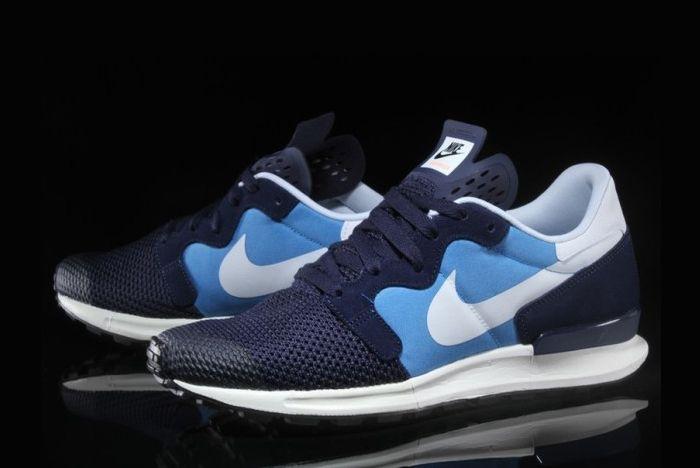 Nike Berwuda 4