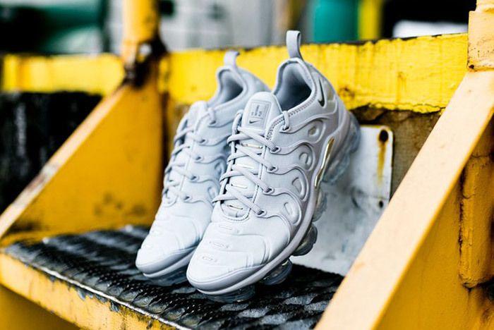 Nike Air Vapor Max Plus Wolf Grey Dark Grey Sneaker Freaker 1
