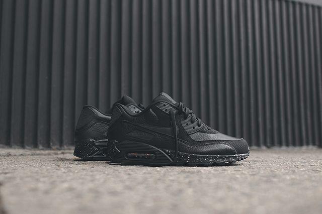 Nike Air Max 90 Black Out 2