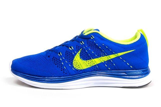 Nike Lunar Flyknit Blue Profile 1