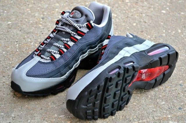 Nike Air Max 95 Anthracite Silver Red 2