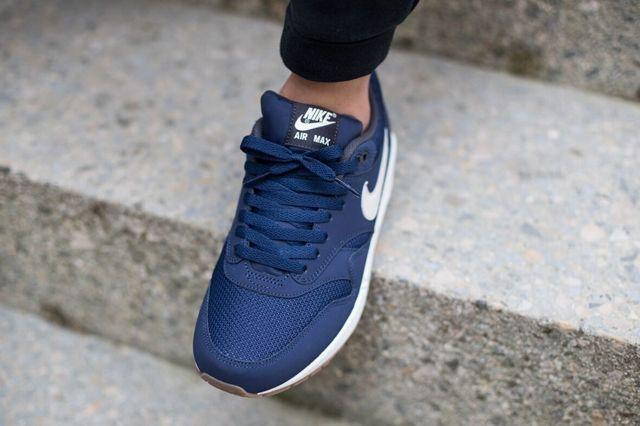Nike Air Max 1 Essential Midnight Navy Light Bone 1