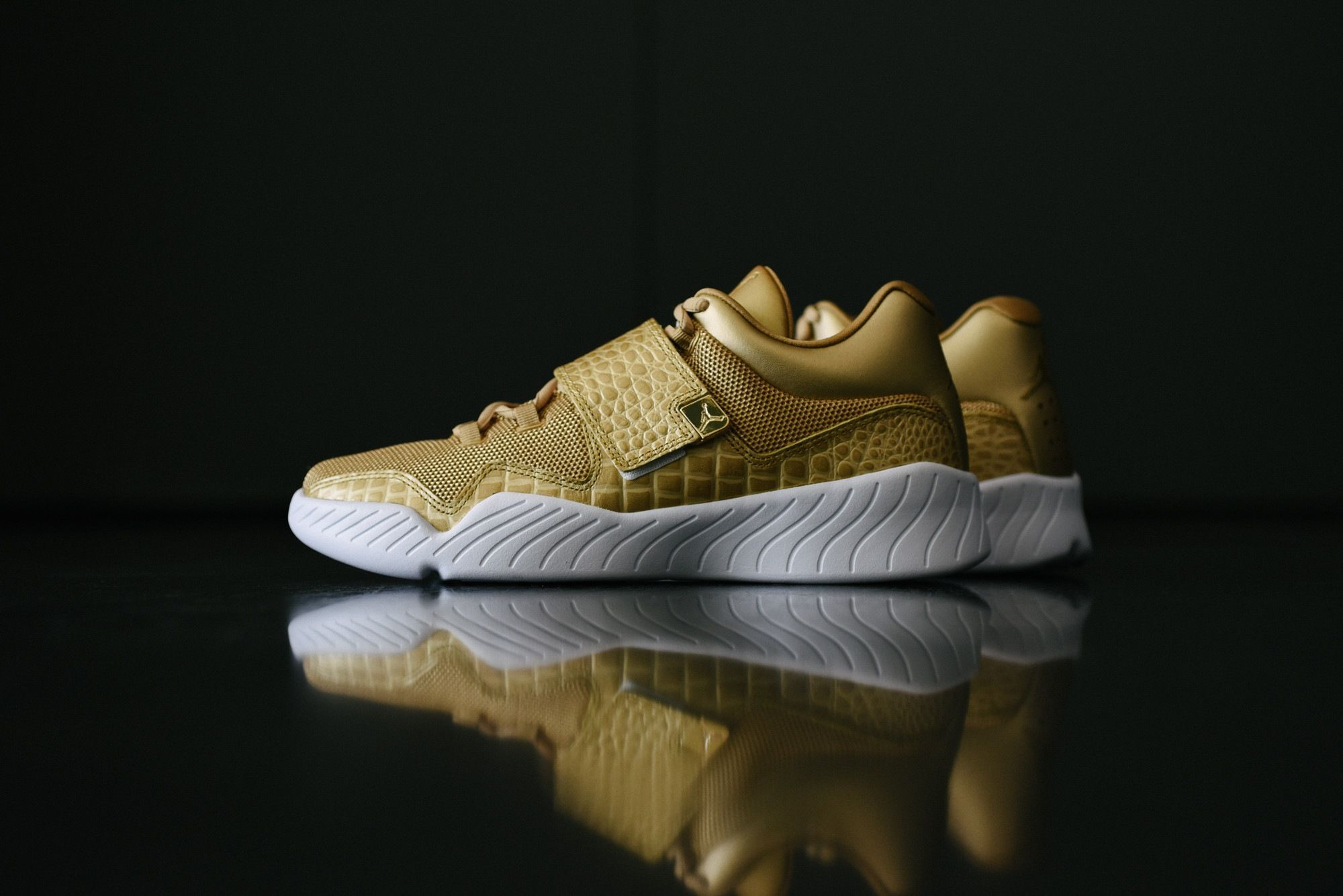 Nike Air Jordan J23 Metallic Gold 854557 700 Sneaker Politics 1041