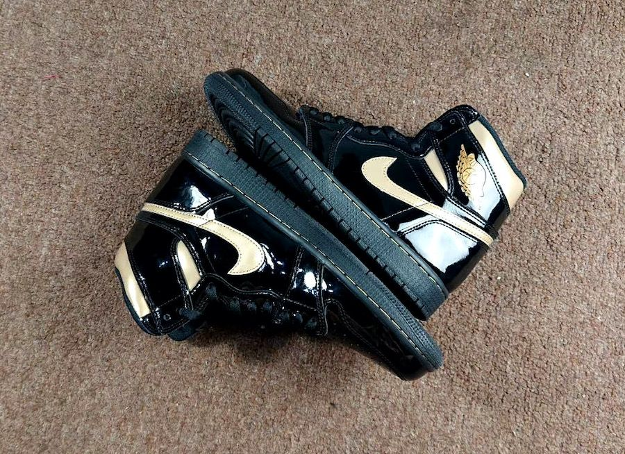 air jordan 1 black gold