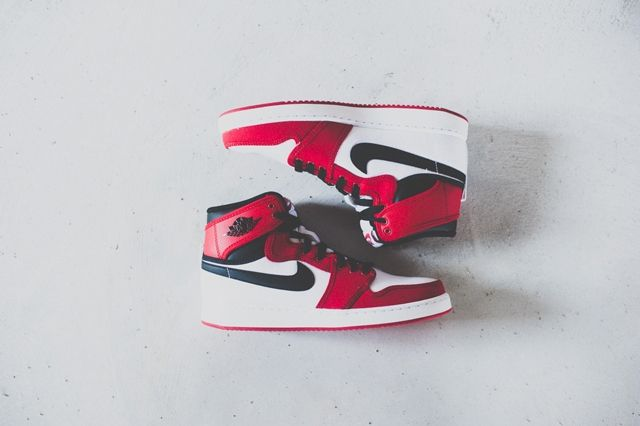 Air Jordan 1 Ko High Chicago 4