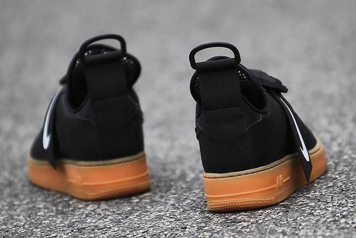 Nike Air Force 1 Utility Black Gum 4