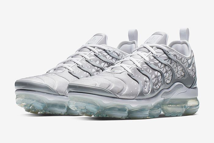 Nike Air Vapormax Plus Silver Three Quarter Shot