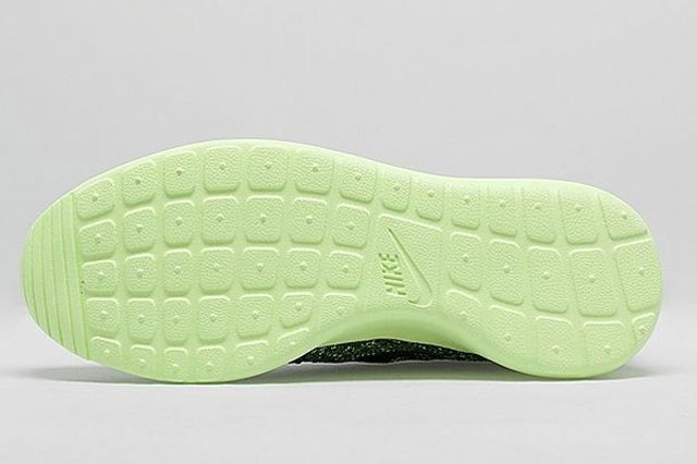 Nike Roshe Run Flyknit Womens Green Envy 2