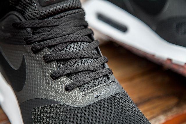 Nike Am Tavas Black White Bumper 2