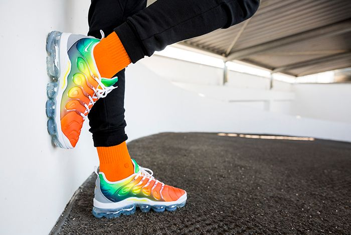 Air Vapor Max Plus Rainbow 2