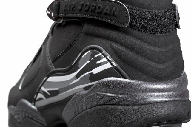 Air Jordan 8 Chrome 2