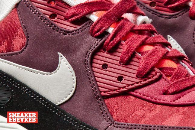 Nike Air Max 90 Prm Team Red Jaquard 2 Det 1