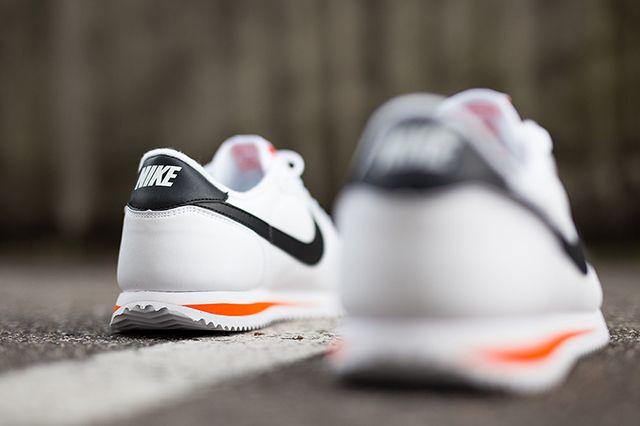 Nike Cortez Basic Leather White Wlack Orange Kopie 2