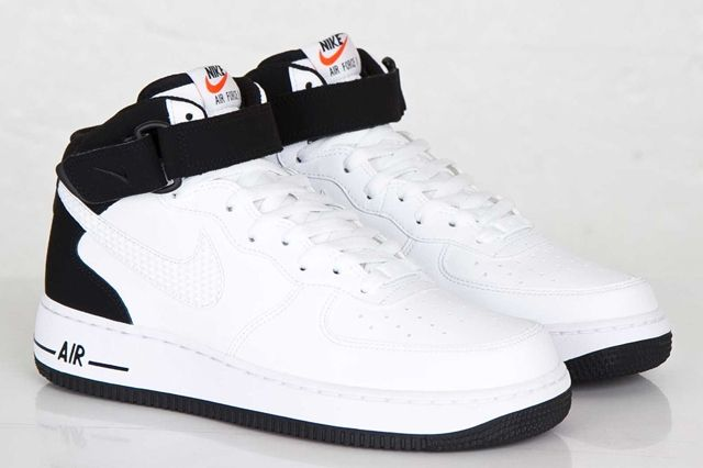 Nike Air Force Mid White Black White 1