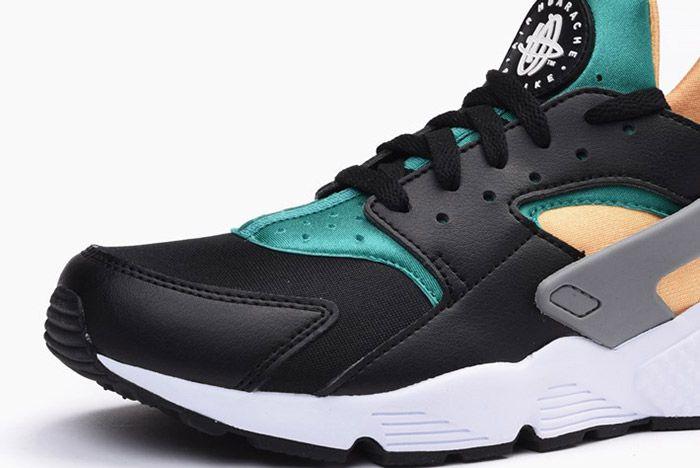 Nike Air Huarache Black Emerald Resin 6