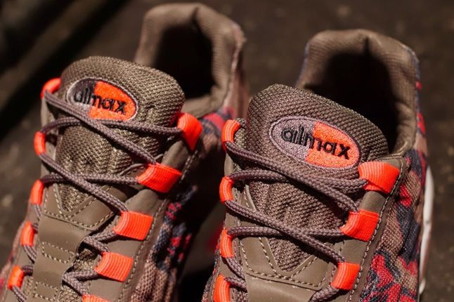 Nike Am95 Prm Tape Red Camo Tongue Detail 1
