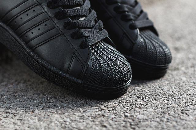 Adidas Superstar Triple Black 4