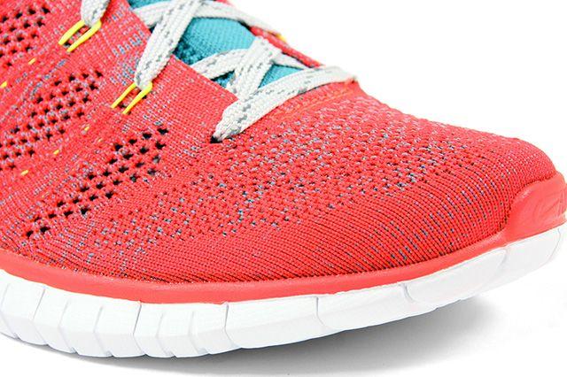 Nike Free Flyknit Chukka Bright Crimson Mineral Blue 2