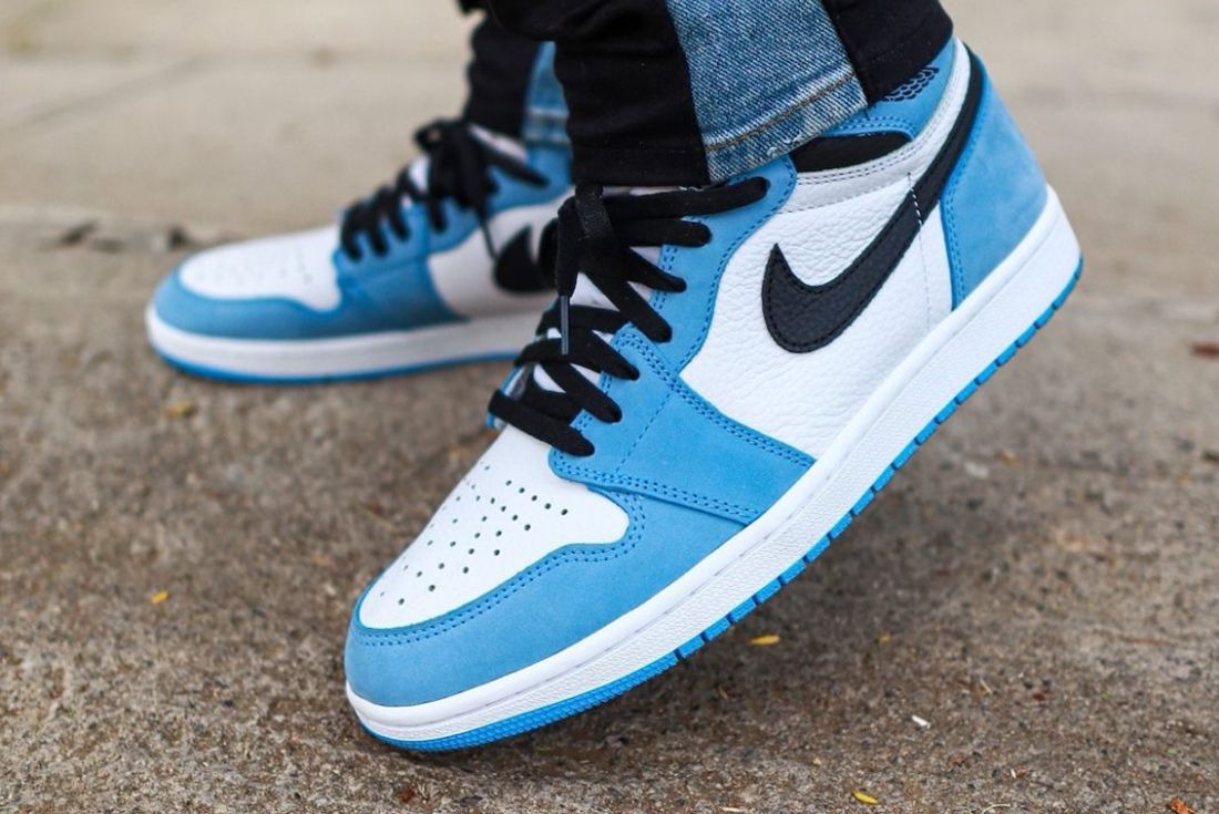 air jordan 1 university blue on foot