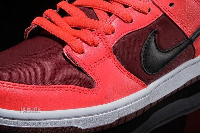 Nike Sb Dunk Low Laser Crimson 3